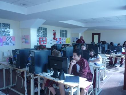 En la sala de Informática del Secundario
