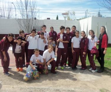 Proyecto Solidario de alumnos de 1° año con la profesora Corso